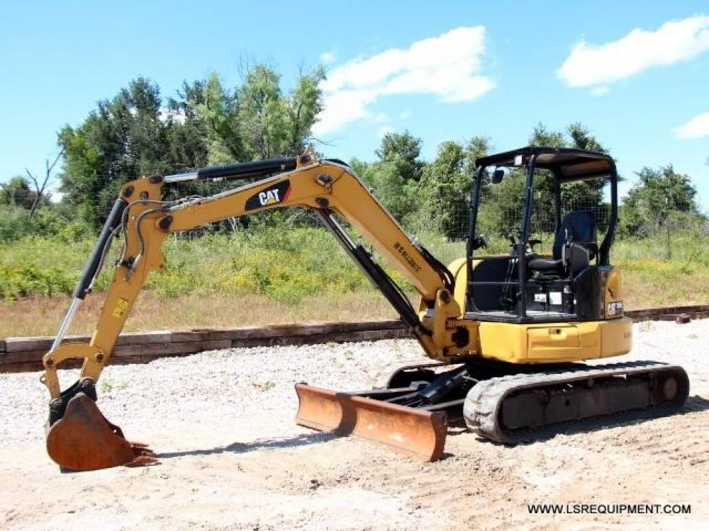 Detail photo of 2015 Caterpillar 305E2 CR from Construction Equipment Guide