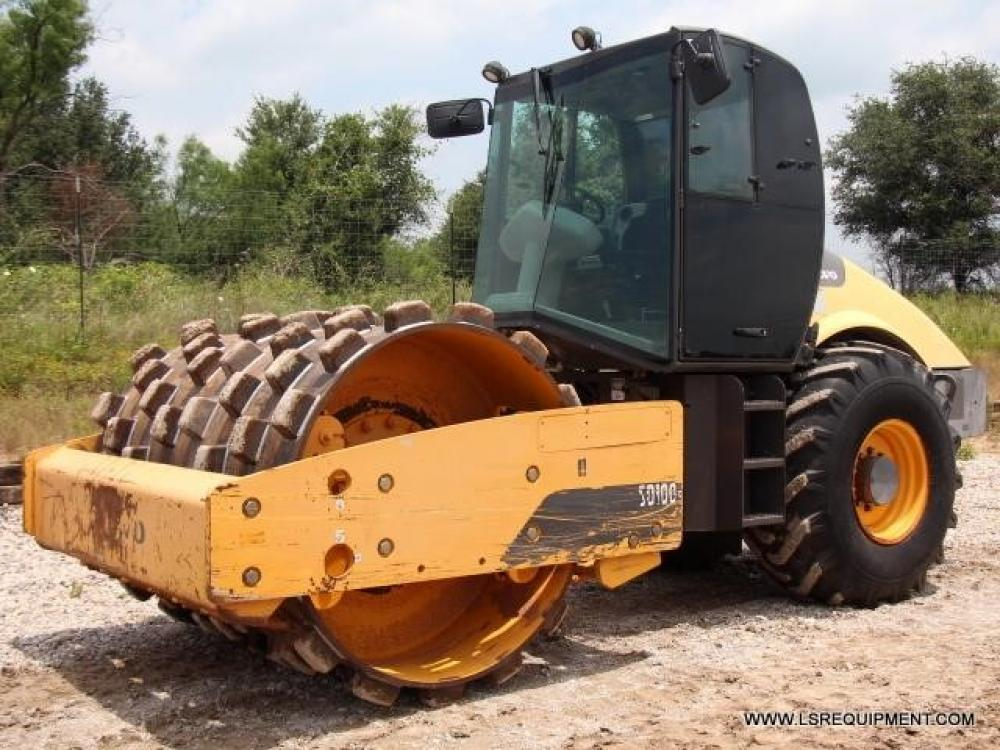Detail photo of 2011 Volvo SD100F from Construction Equipment Guide