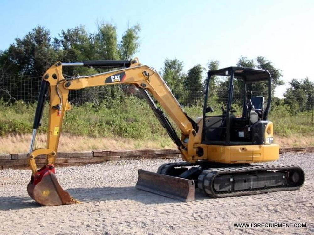 Detail photo of 2015 Caterpillar 305.5E2 CR from Construction Equipment Guide