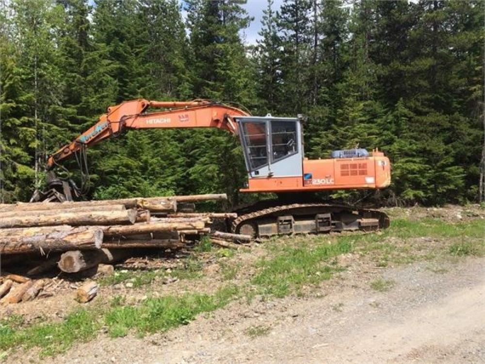 Detail photo of 2000 Hitachi EX230 LC-5 from Construction Equipment Guide