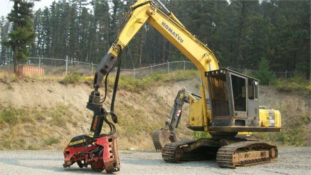 Detail photo of 2005 Komatsu PC200 LC-7 from Construction Equipment Guide