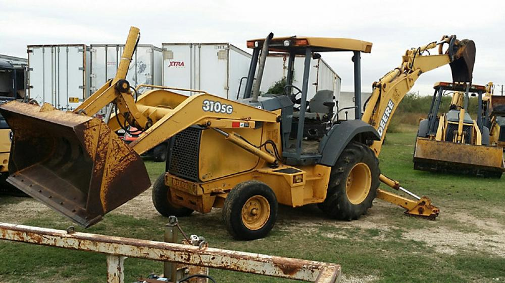 Detail photo of 2001 John Deere 310SG from Construction Equipment Guide