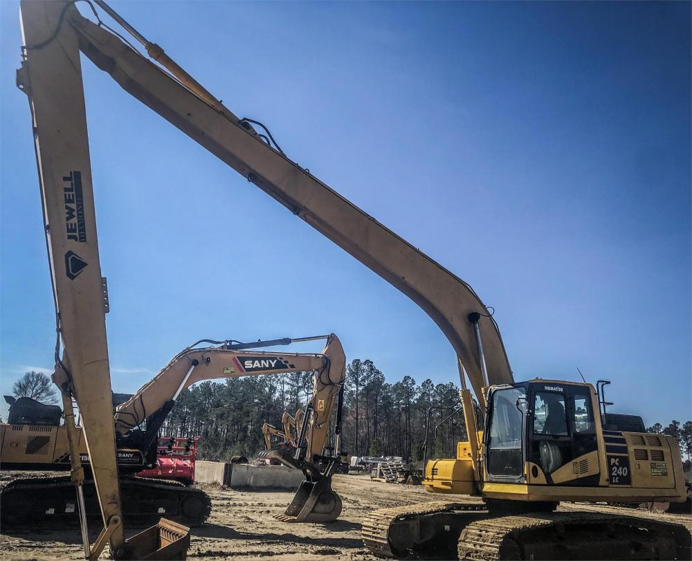 Detail photo of 2016 Komatsu PC240LC-11 from Construction Equipment Guide