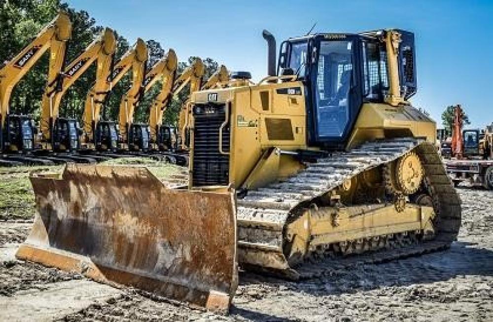 Detail photo of 2016 Caterpillar D6N LGP from Construction Equipment Guide