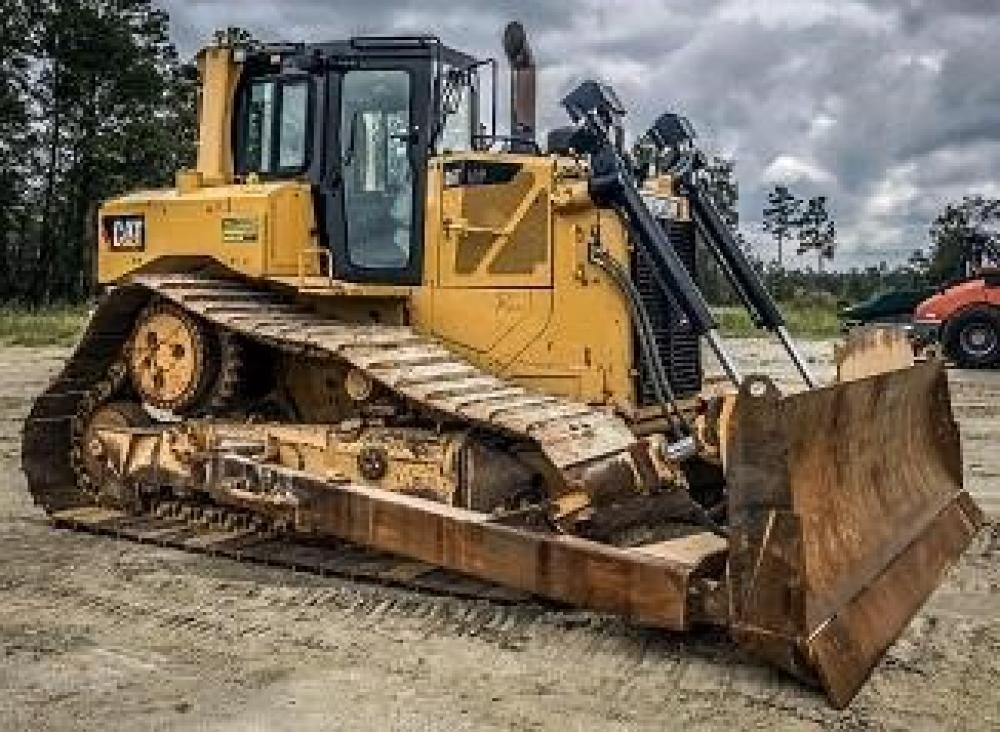 Detail photo of 2014 Caterpillar D6T LGP from Construction Equipment Guide