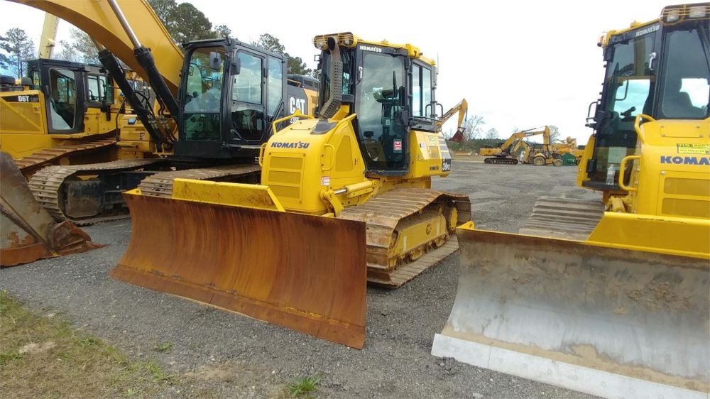 Detail photo of 2018 Komatsu D39PX-24 from Construction Equipment Guide