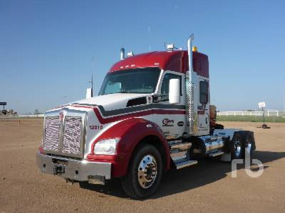 Detail photo of 2015 Kenworth T880 from Construction Equipment Guide