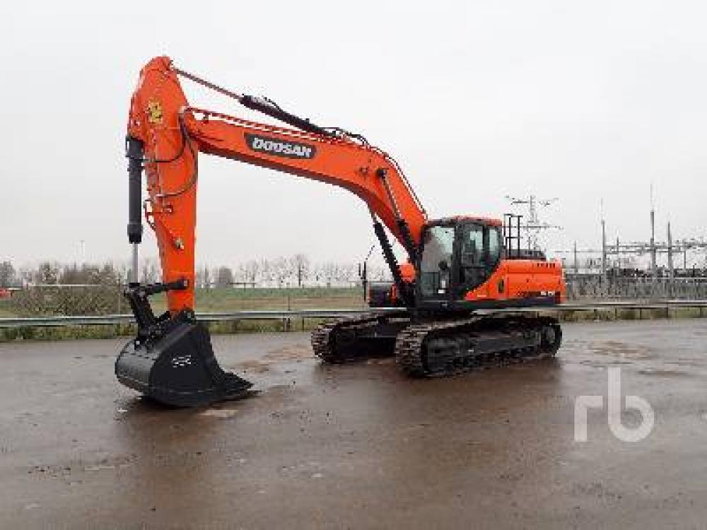 Detail photo of 2019 Doosan DX300LC from Construction Equipment Guide