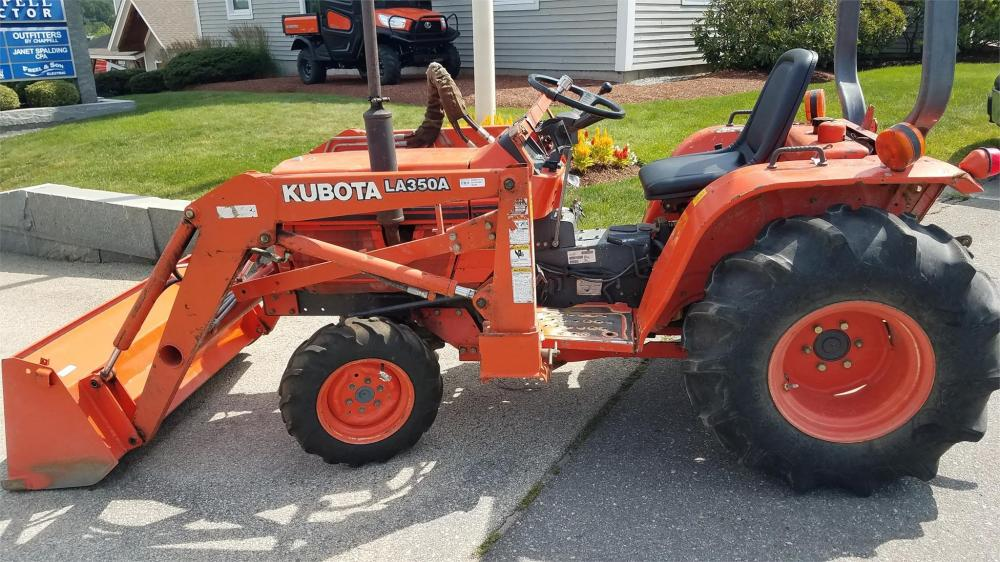 Detail photo of 1994 Kubota B2150HSD from Construction Equipment Guide