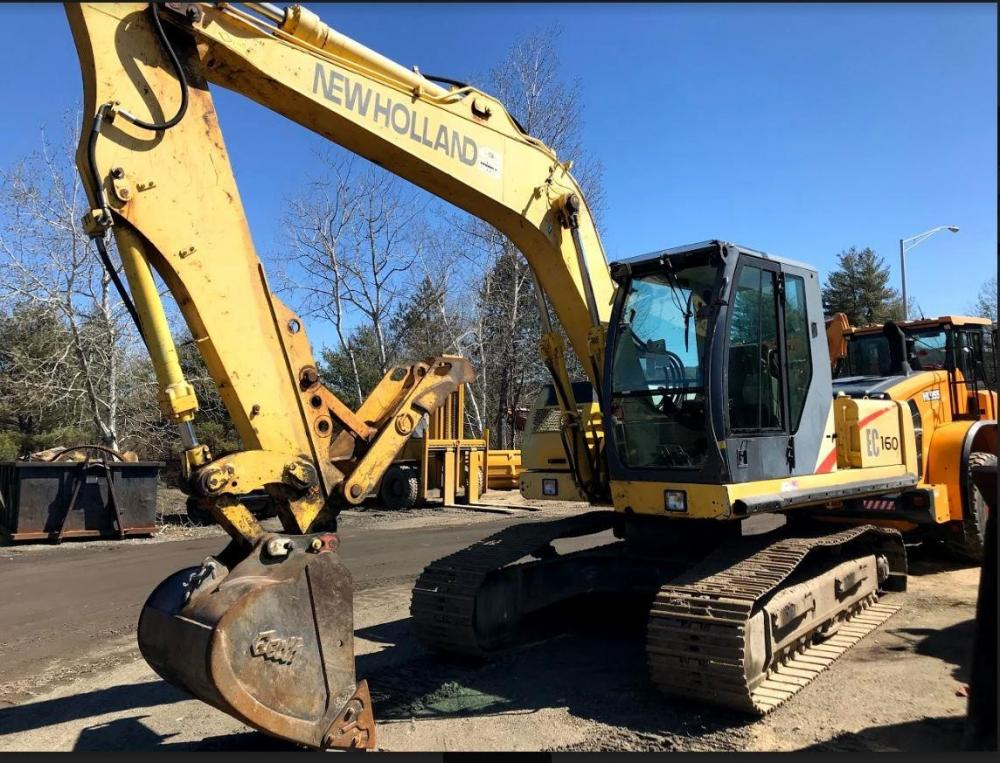 Detail photo of 2001 New Holland EC160 from Construction Equipment Guide