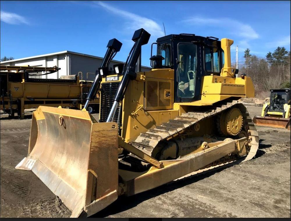 Detail photo of 1996 Caterpillar D6H II from Construction Equipment Guide