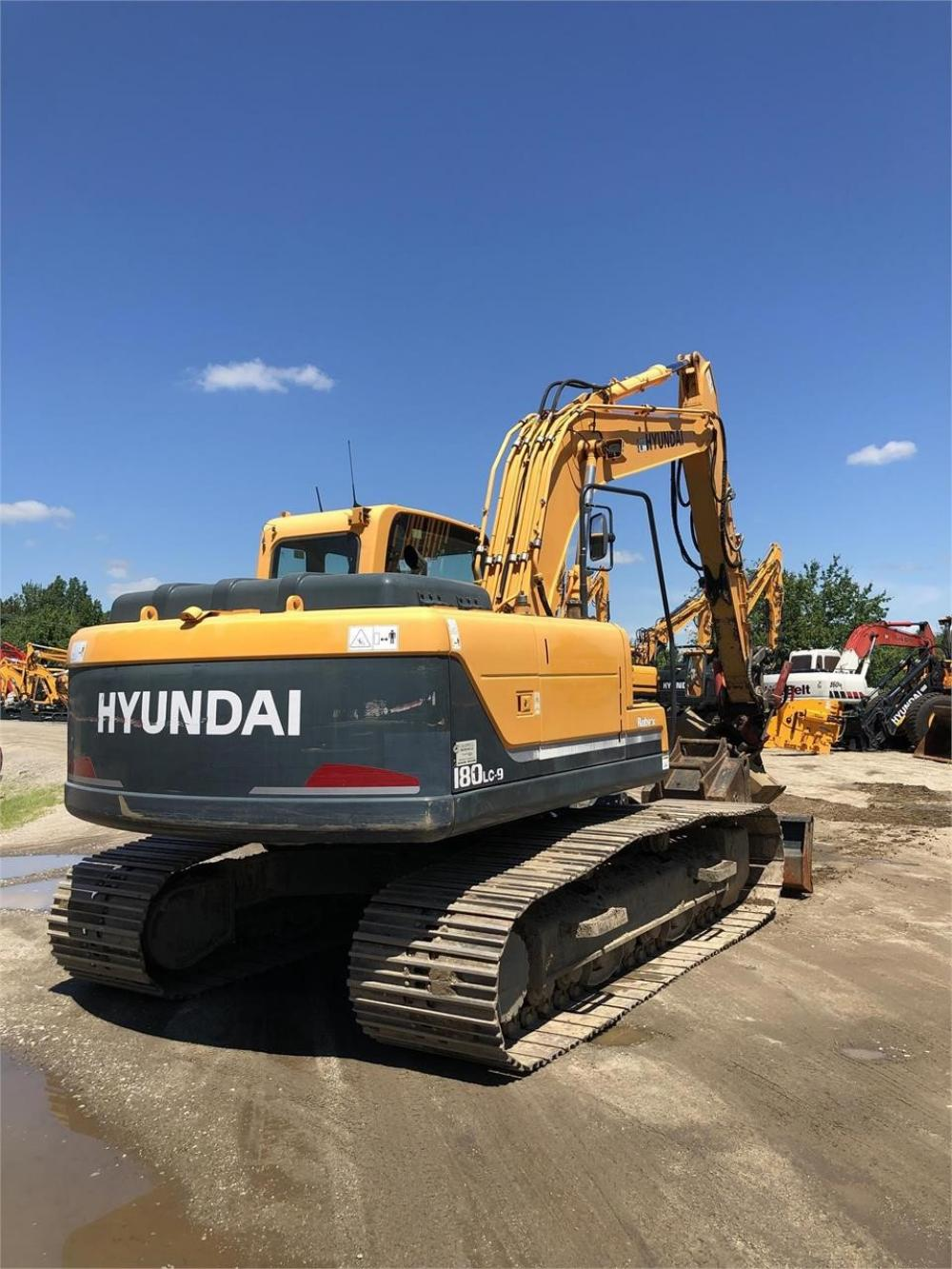 Detail photo of 2012 Hyundai ROBEX 180 LC-9 from Construction Equipment Guide