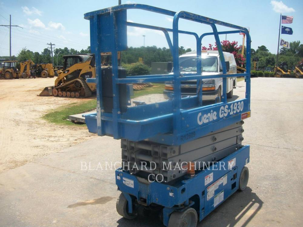Detail photo of 2015 Genie GS-1930 from Construction Equipment Guide