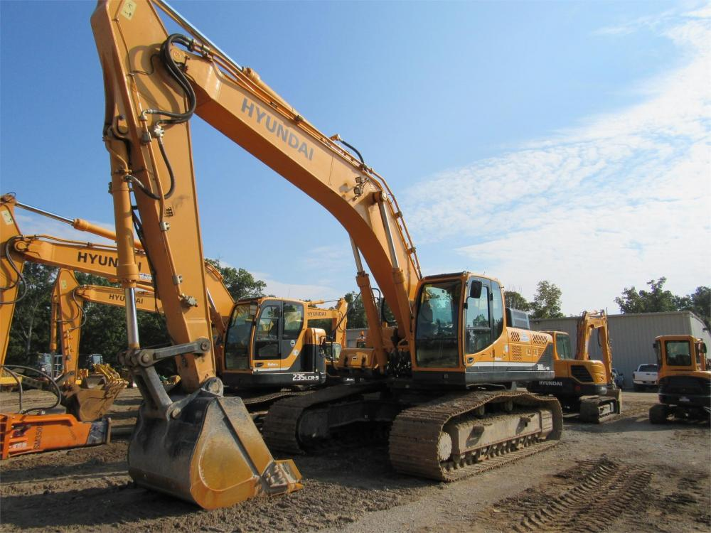 Detail photo of 2014 Hyundai ROBEX 380 LC-9A from Construction Equipment Guide