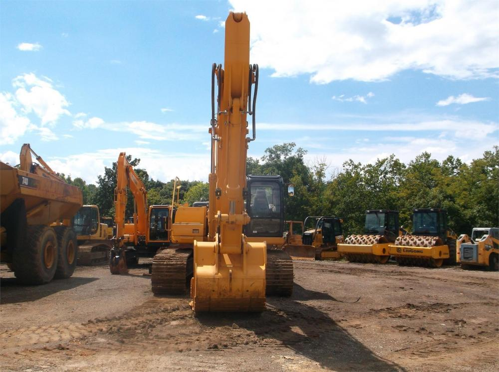 Detail photo of 2014 LiuGong CLG936D from Construction Equipment Guide
