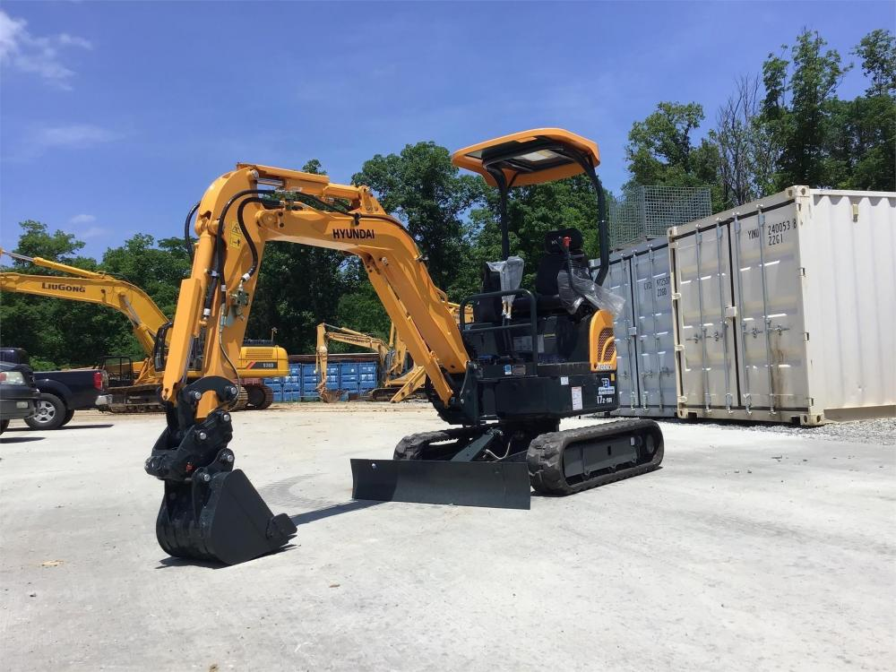 Detail photo of 2018 Hyundai ROBEX 17Z-9A from Construction Equipment Guide