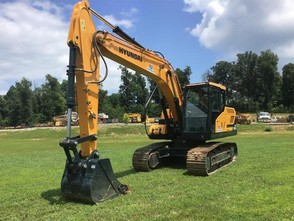 Detail photo of 2017 Hyundai ROBEX 160 from Construction Equipment Guide