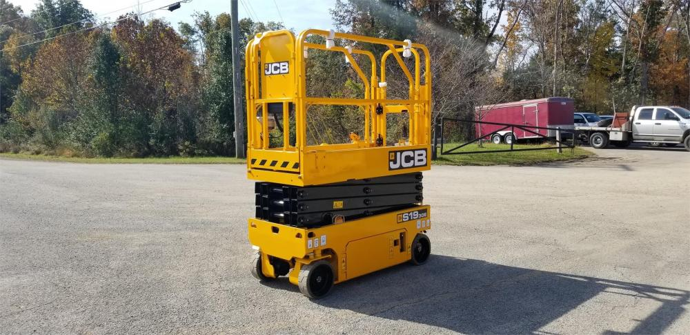 Detail photo of 2018 JCB S1930E from Construction Equipment Guide