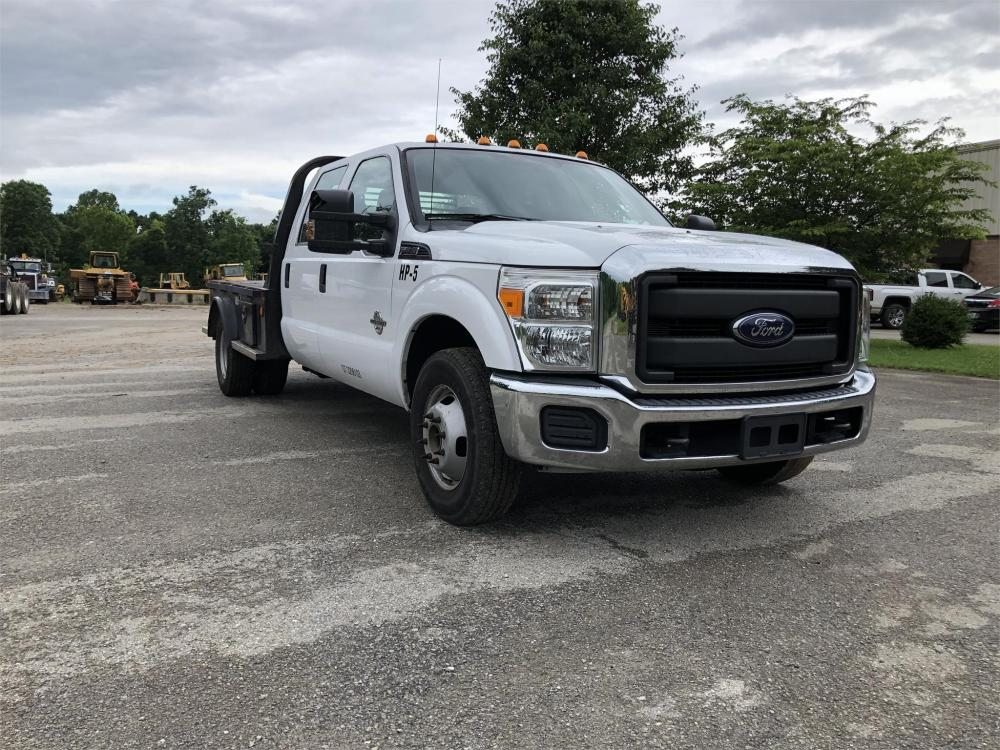 Detail photo of 2016 Ford F350 from Construction Equipment Guide