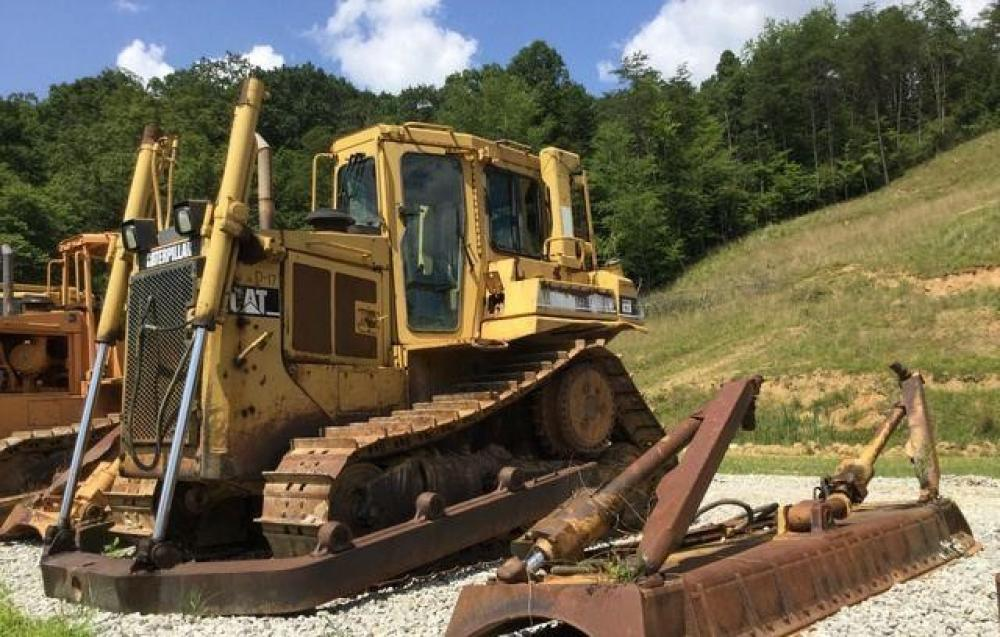 Detail photo of  Caterpillar D6H XR II from Construction Equipment Guide