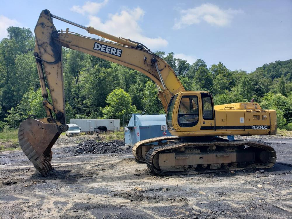 Detail photo of 2001 John Deere 450 LC from Construction Equipment Guide
