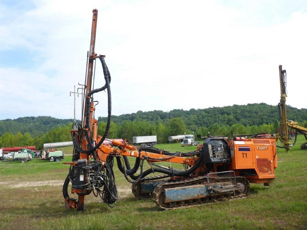 Detail photo of 1998 Tamrock CHA550 from Construction Equipment Guide