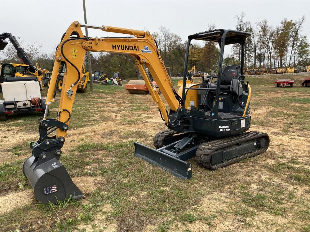 Detail photo of 2019 Hyundai ROBEX 30Z-9AK from Construction Equipment Guide