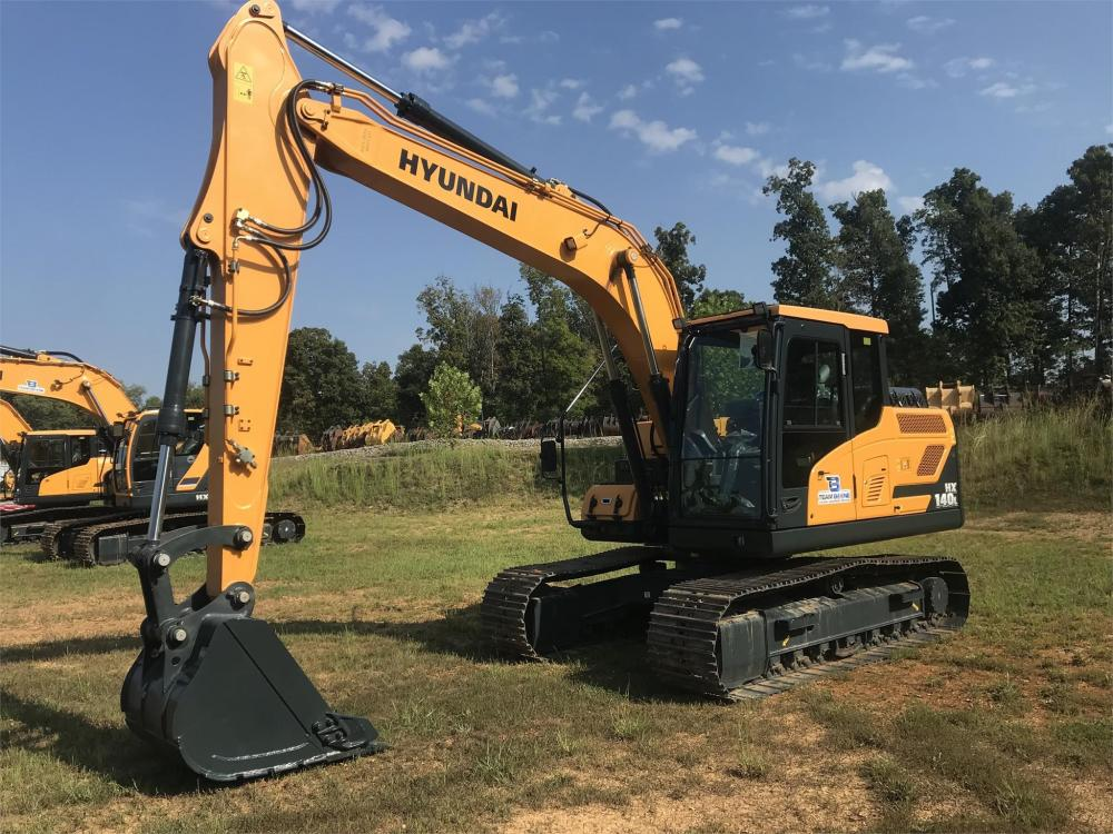 Detail photo of 2019 Hyundai HX140L from Construction Equipment Guide