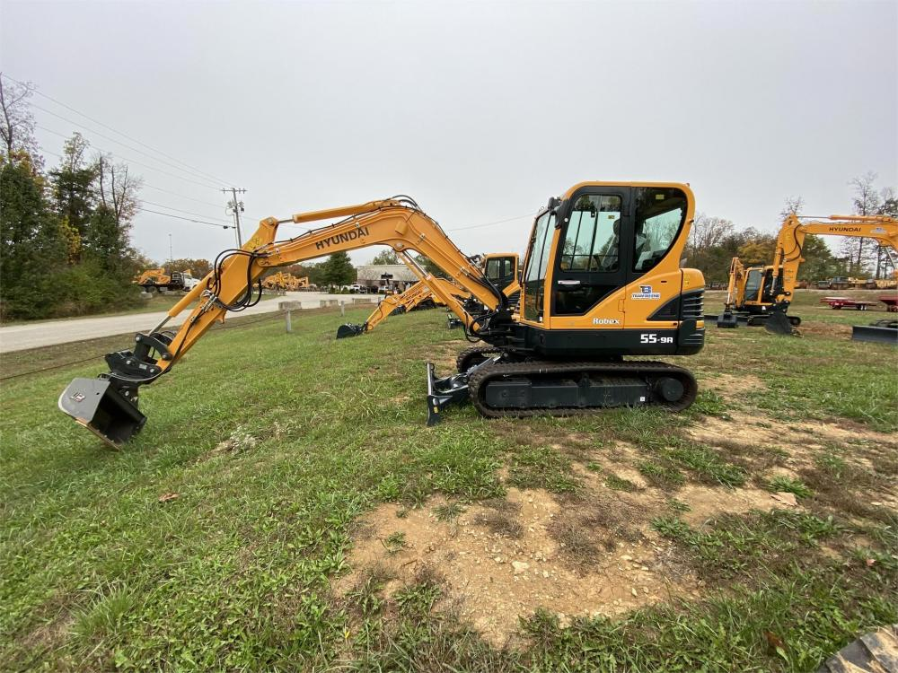 Detail photo of 2019 Hyundai ROBEX 55-9A from Construction Equipment Guide