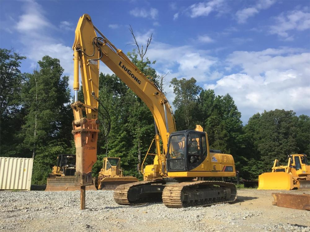 Detail photo of 2013 LiuGong CLG925D from Construction Equipment Guide