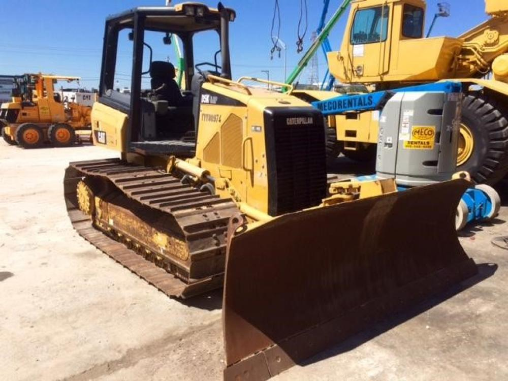 Detail photo of 2010 Caterpillar D5K LGP from Construction Equipment Guide