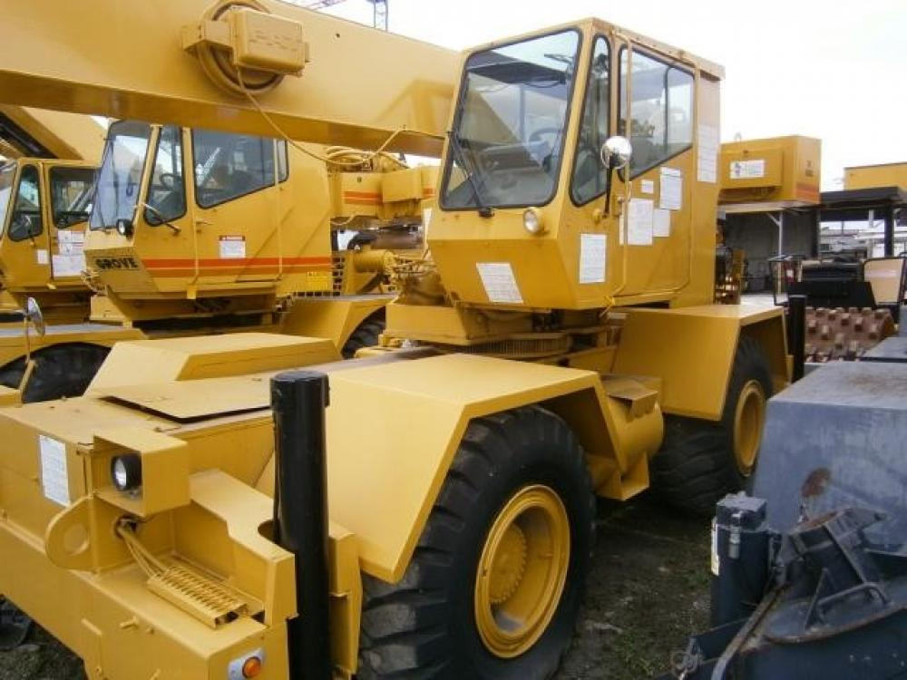 Detail photo of 1990 Grove RT528C from Construction Equipment Guide
