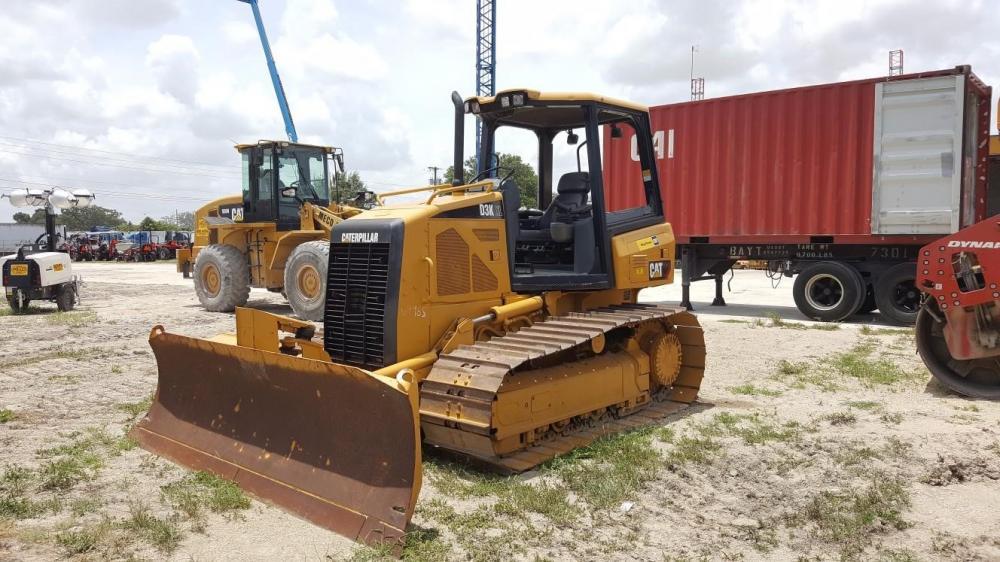 Detail photo of 2008 Caterpillar D3K LGP from Construction Equipment Guide