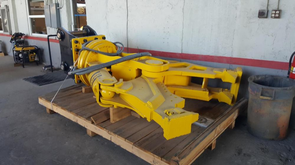 Detail photo of  Atlas Copco CC3300U from Construction Equipment Guide