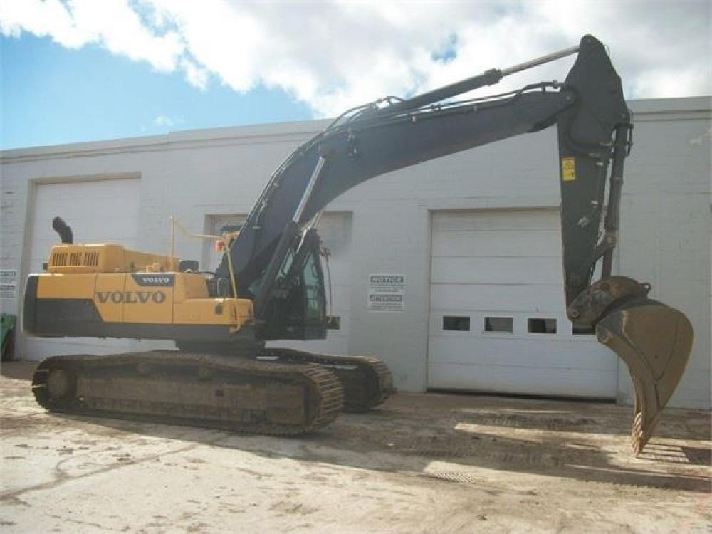 Detail photo of 2011 Volvo EC380DL from Construction Equipment Guide