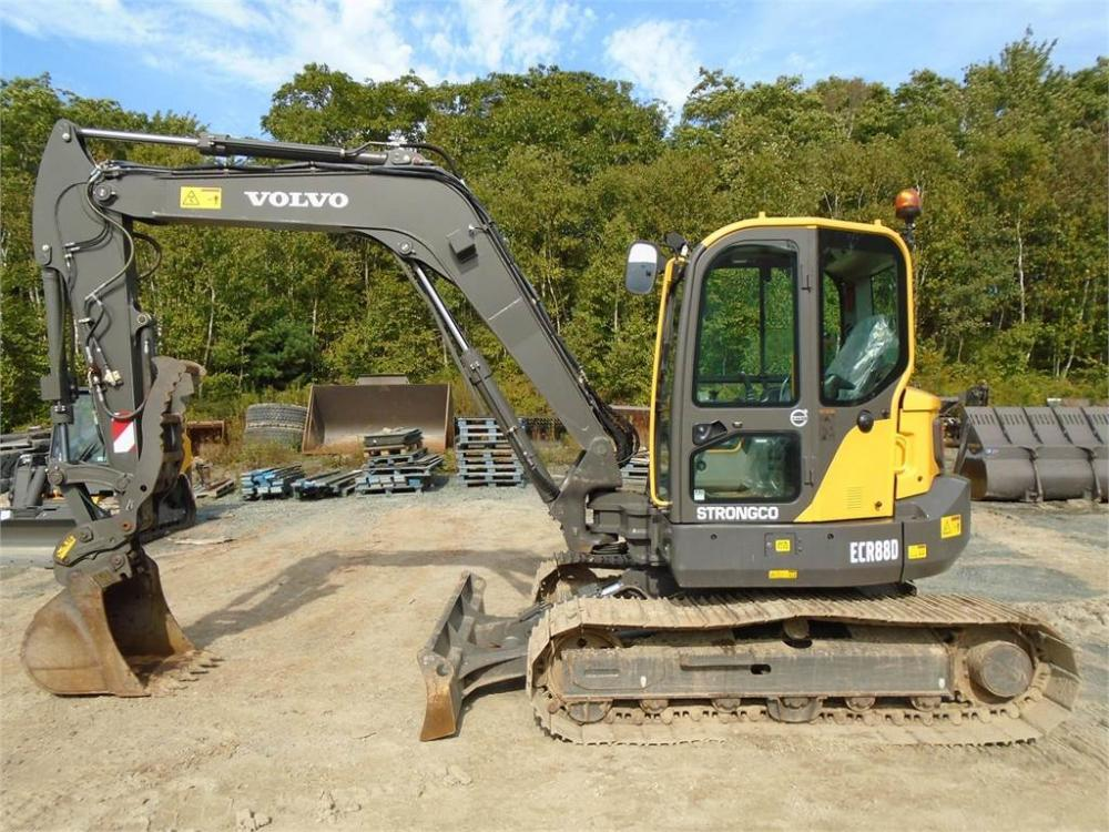 Detail photo of 2015 Volvo ECR88D from Construction Equipment Guide