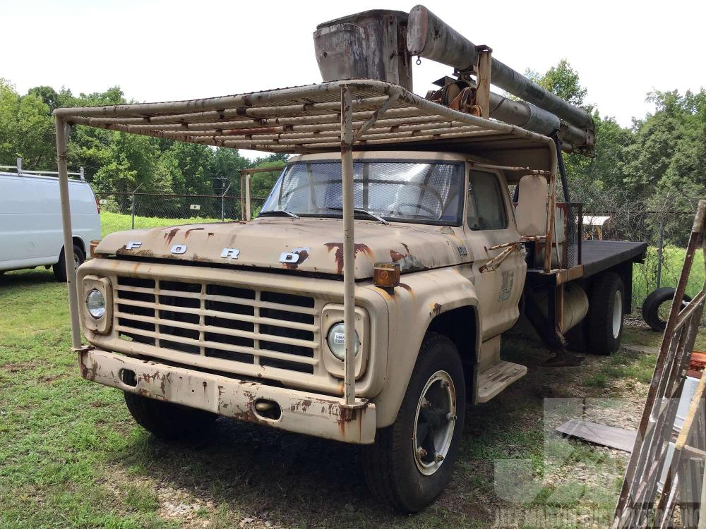 Detail photo of 1978 Ford F700 from Construction Equipment Guide