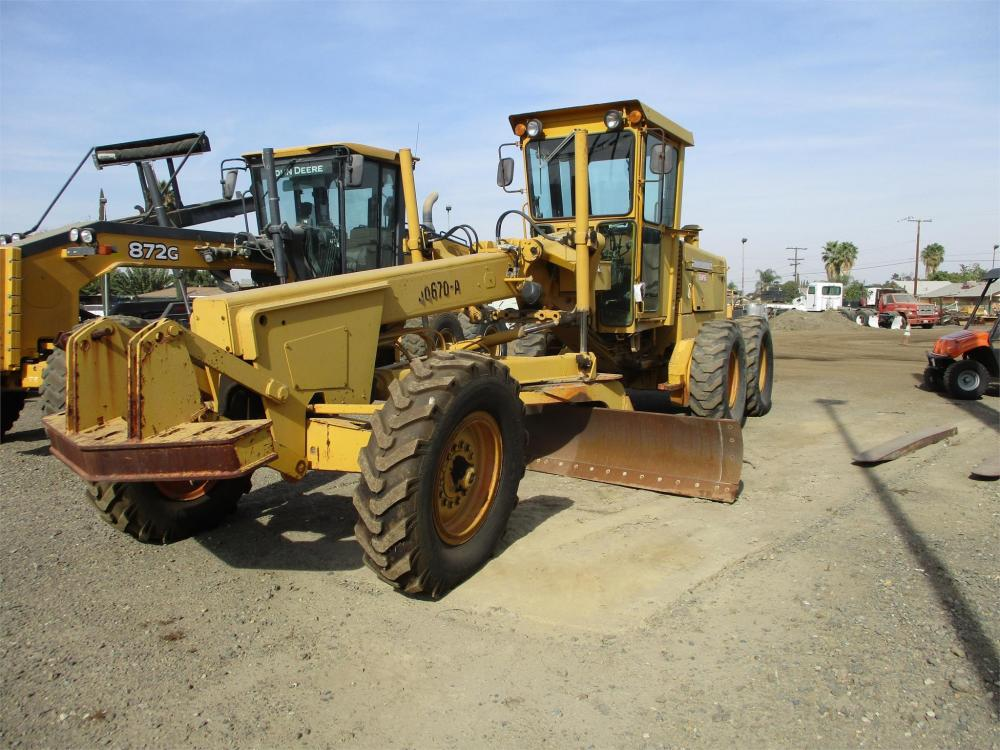 Detail photo of 1981 John Deere 670A from Construction Equipment Guide