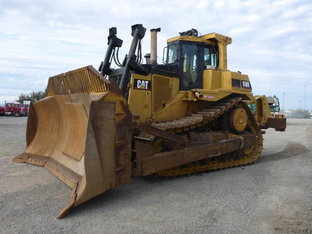 Detail photo of 2001 Caterpillar D9R from Construction Equipment Guide