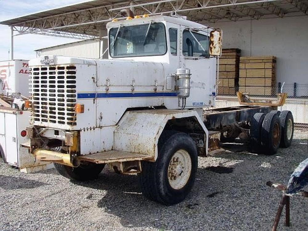 Detail photo of 1981 Oshkosh FF2346 from Construction Equipment Guide