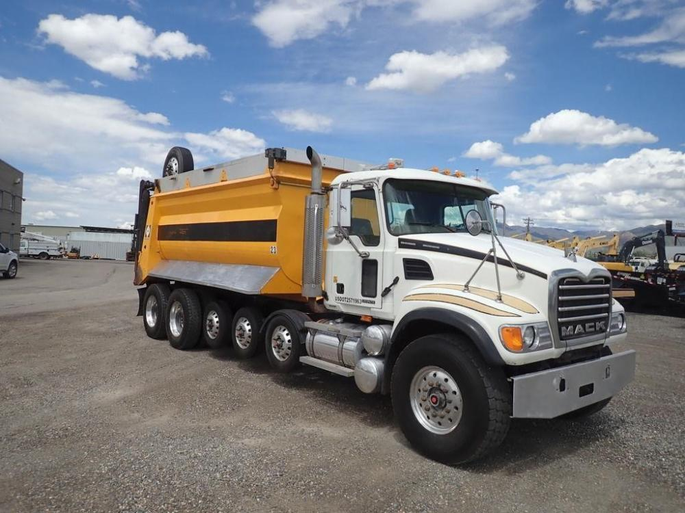 Detail photo of 2006 Mack GRANITE CV713 from Construction Equipment Guide