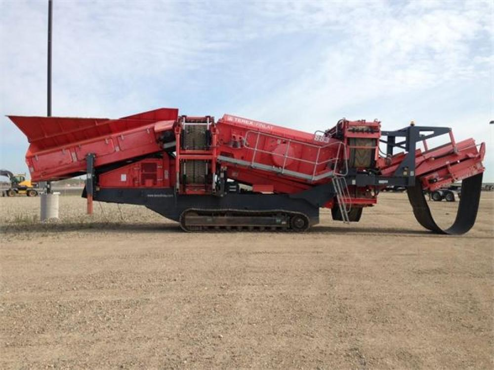 Detail photo of 2012 Terex 883 from Construction Equipment Guide