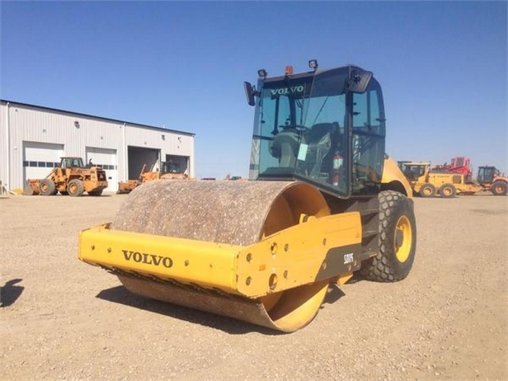 Detail photo of 2013 Volvo SD115 from Construction Equipment Guide