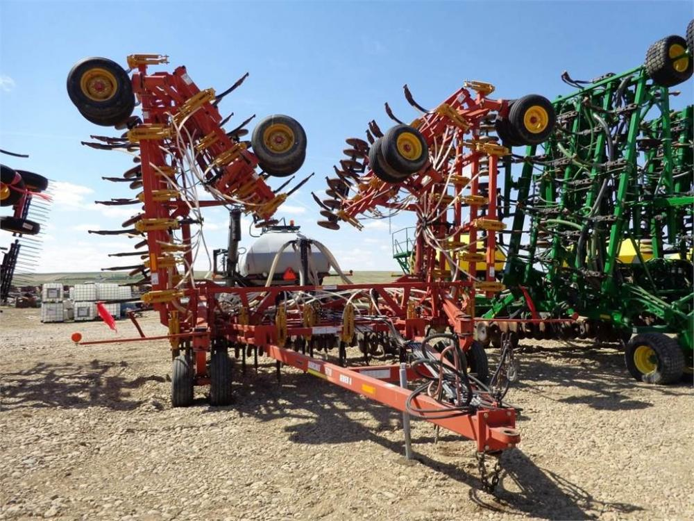 Detail photo of 2002 Bourgault 5710 from Construction Equipment Guide