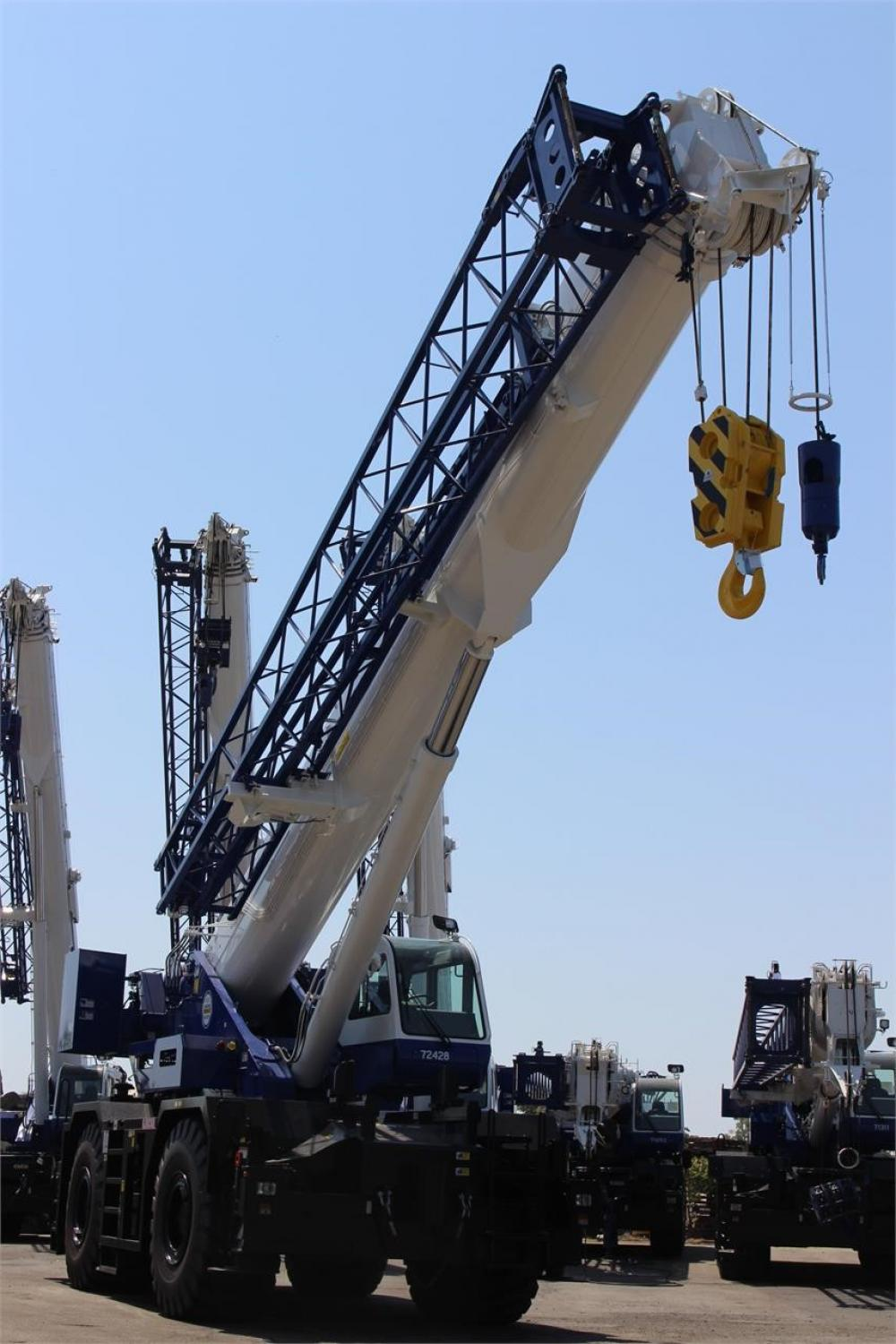 Detail photo of 2017 Tadano GR-900XL from Construction Equipment Guide