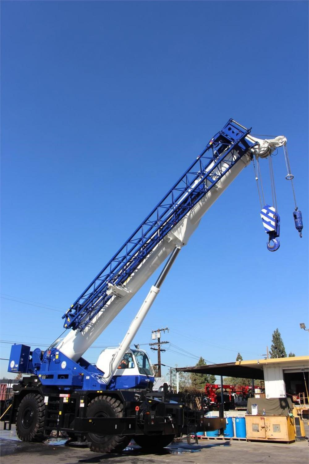 Detail photo of 2016 Tadano GR-900XL from Construction Equipment Guide
