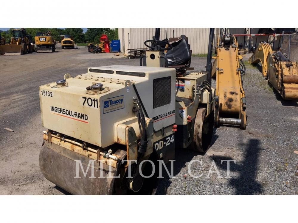 Detail photo of 1997 Ingersoll Rand DD24 from Construction Equipment Guide