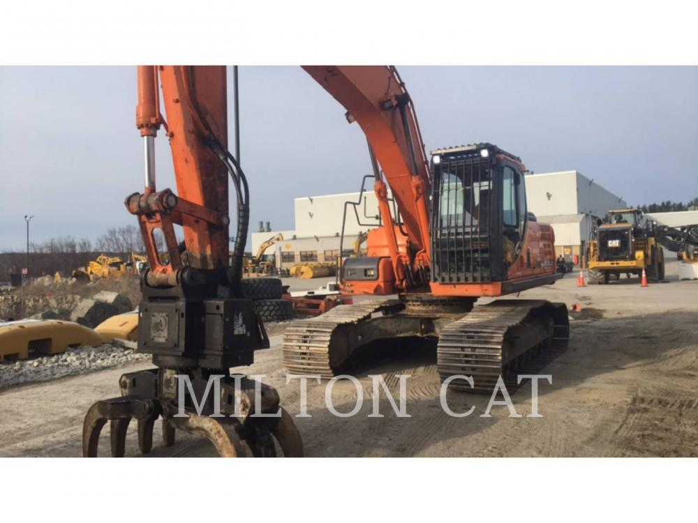 Detail photo of 2015 Doosan DX225LC from Construction Equipment Guide