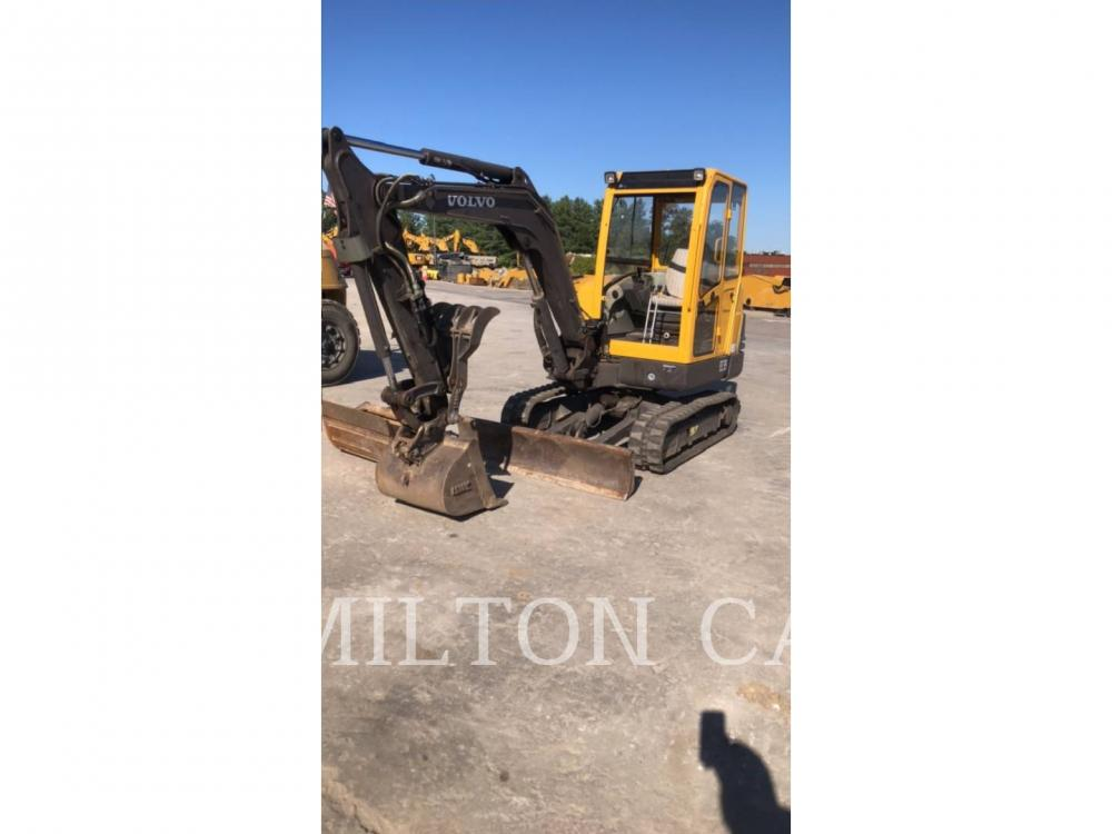 Detail photo of 2005 Volvo EC35 from Construction Equipment Guide