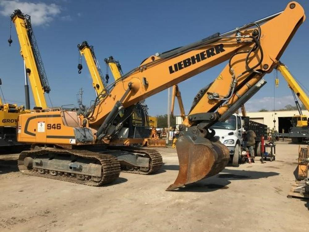 Detail photo of 2013 Liebherr R946 from Construction Equipment Guide